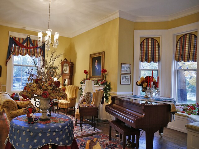 Home Tour: This historic Glendale house is featured on the Holiday Home Tour