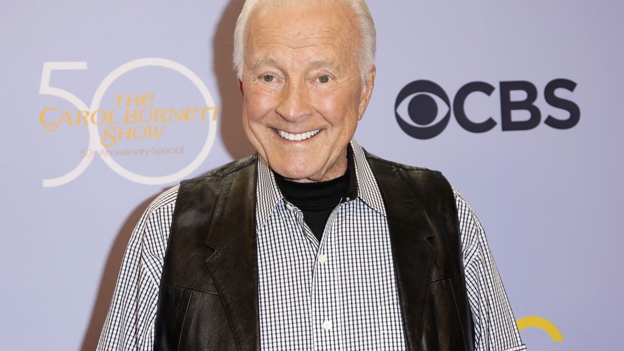 'Carol Burnett Show' actor Lyle Waggoner has died at 84, reports say