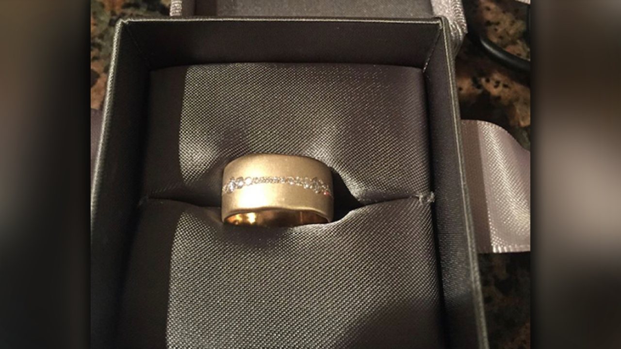 Couple loses wedding ring at Enchant Christmas, the world's largest Christmas maze, in St. Pete