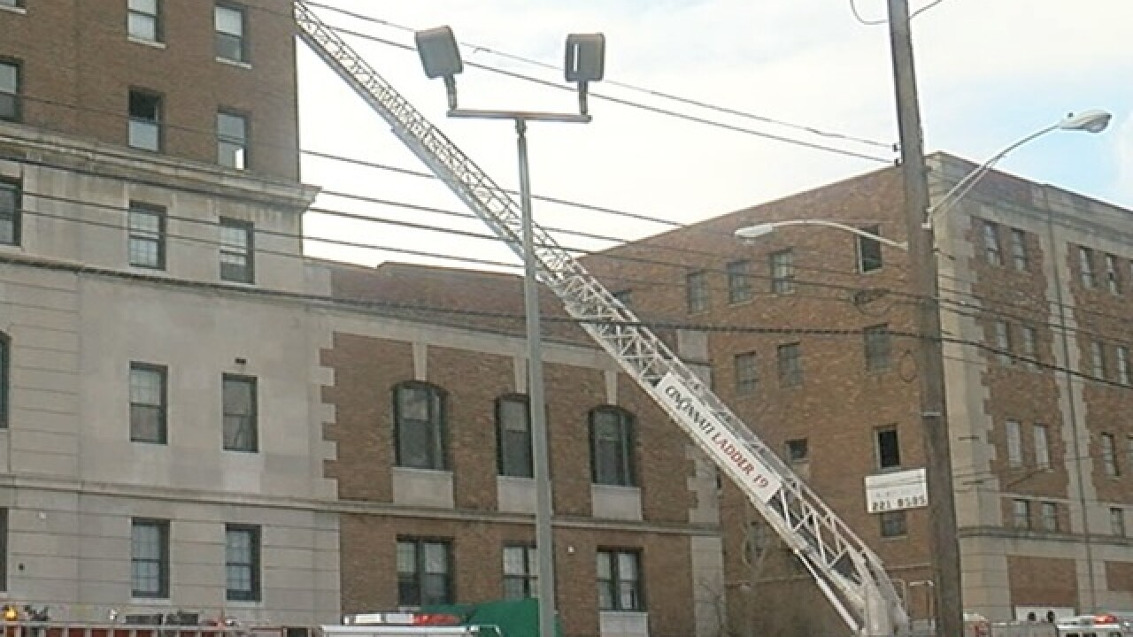 2-alarm fire reported at Walnut Hills high-rise