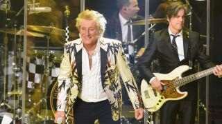 Rod Stewart coming to DTE Energy Music Theatre this summer with Cheap Trick