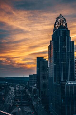 Cincygram: The Cincinnati skyline from day to night