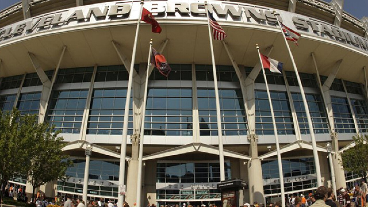 AP: Cleveland Browns' stadium, other structures may sport