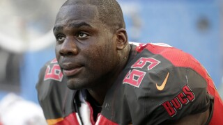 Broncos add right tackle Demar Dotson on one-year deal