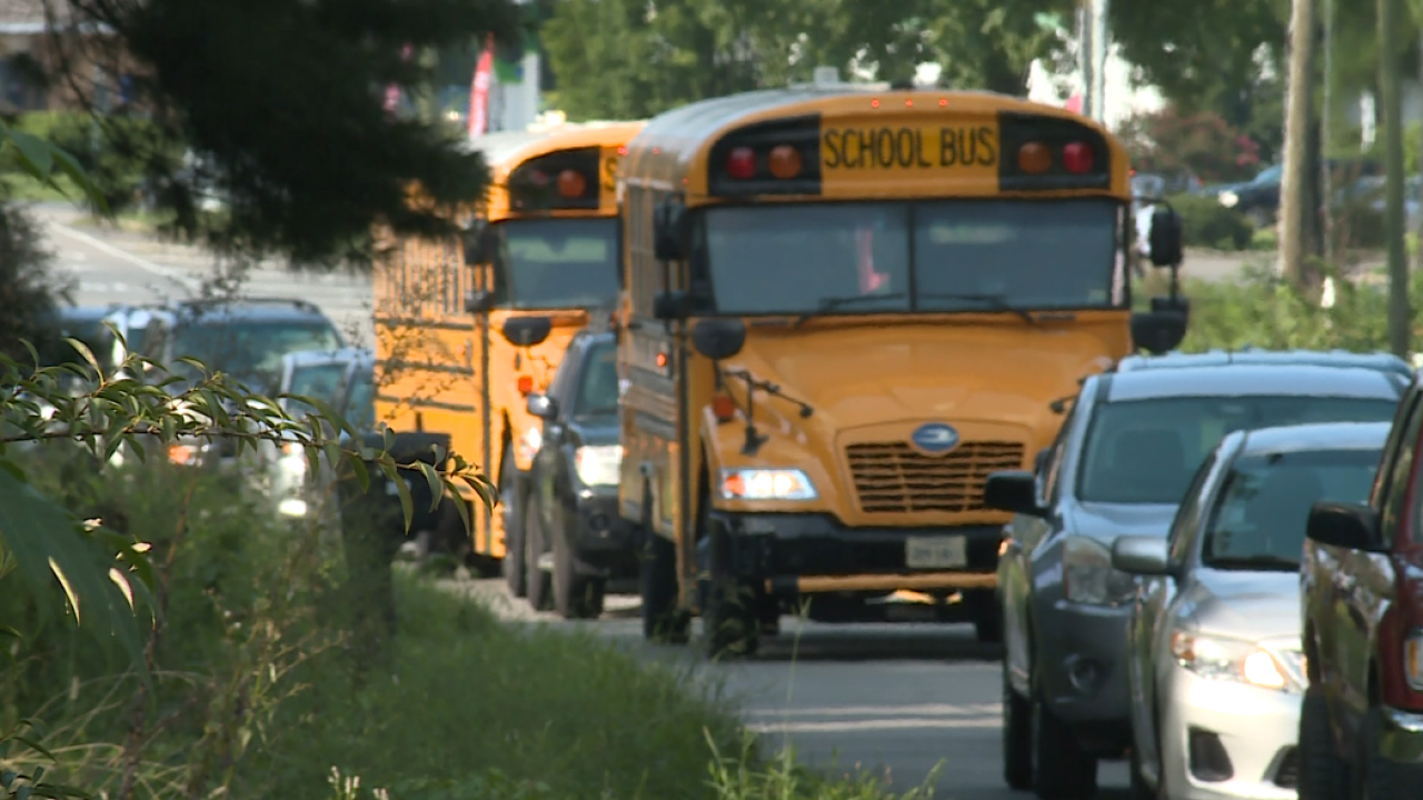 Chesterfield parents, students report long lines, bus delays on 2nd day of school