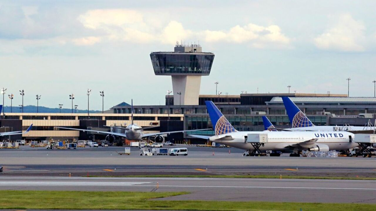 6 smoke grenades found in the luggage of a passenger at a New Jersey airport