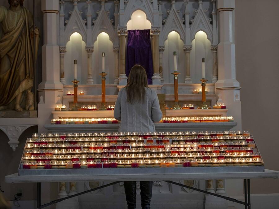 WCPO_Praying_The_steps18.jpg