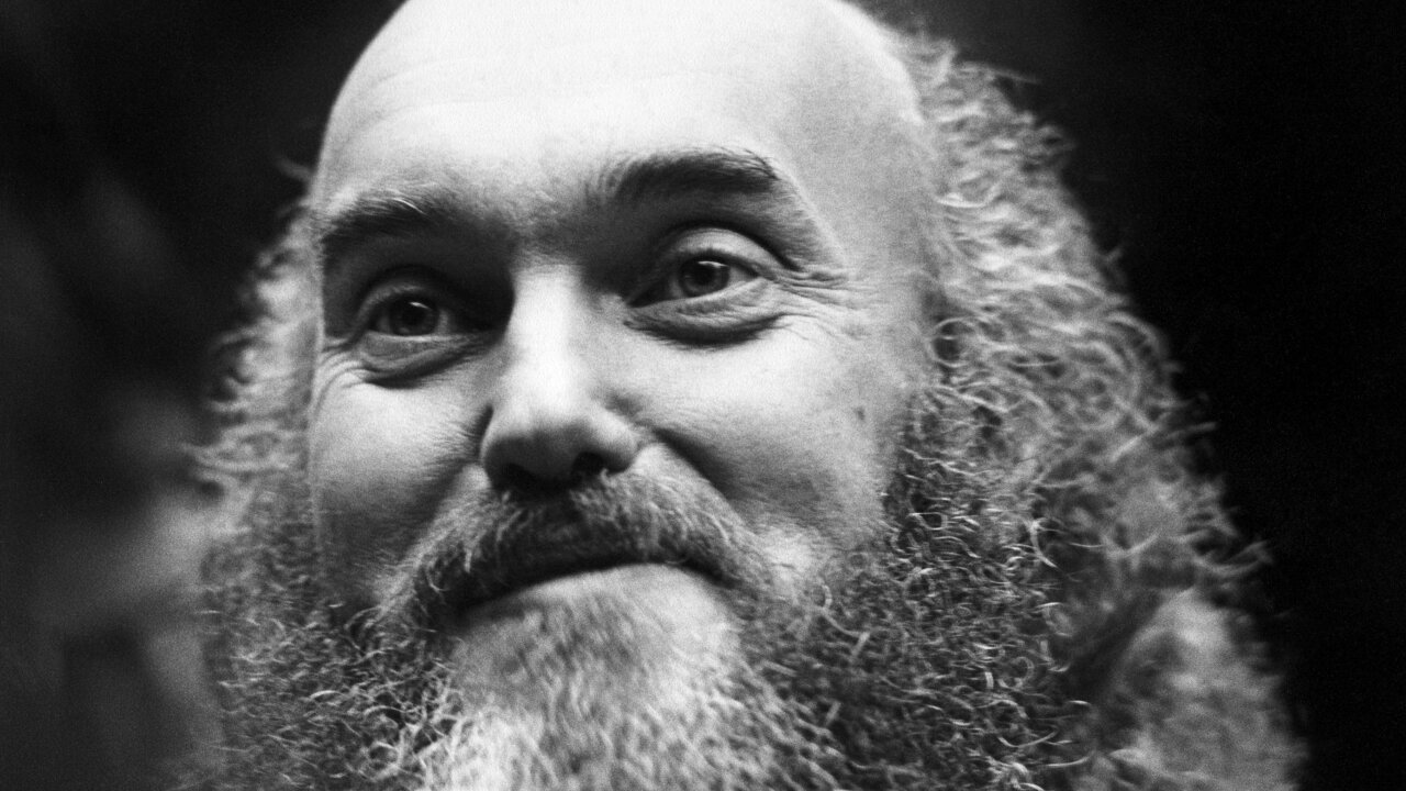 Baba Ram Dass, psychedelic pioneer and New Age guru, is dead at 88