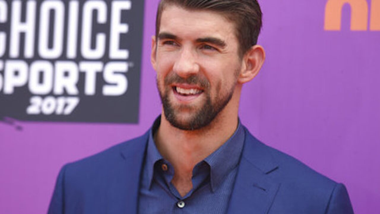 Michael Phelps loses to simulated shark in 'Shark Week' race