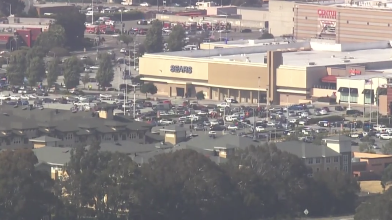 Shots fired reported at a California shopping mall