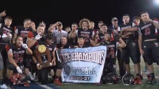 Hoehne rolls past John Mall for 8-man state title