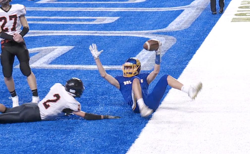 Tyler Swanwick celebrates touchdown reception