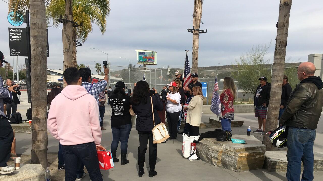 Border wall rally 3
