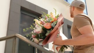 A Woman Stuck At Home Ordered Flowers —and Ended Up With Hot Meals And Groceries