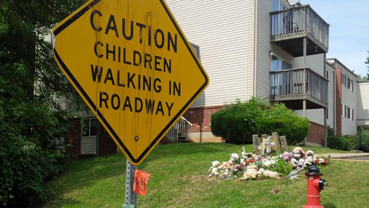 WATCH: No sidewalks yet in NKC neighborhood