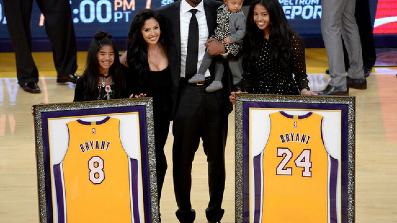 Los Angeles Lakers retire both of Kobe Bryant's jerseys