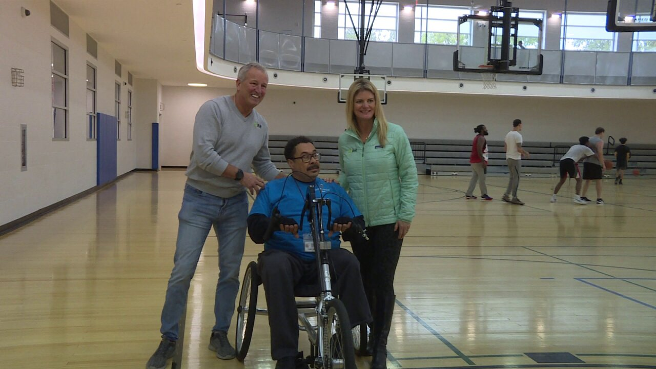 Race organizers donate new hand cycle bike to double amputee in VirginiaBeach