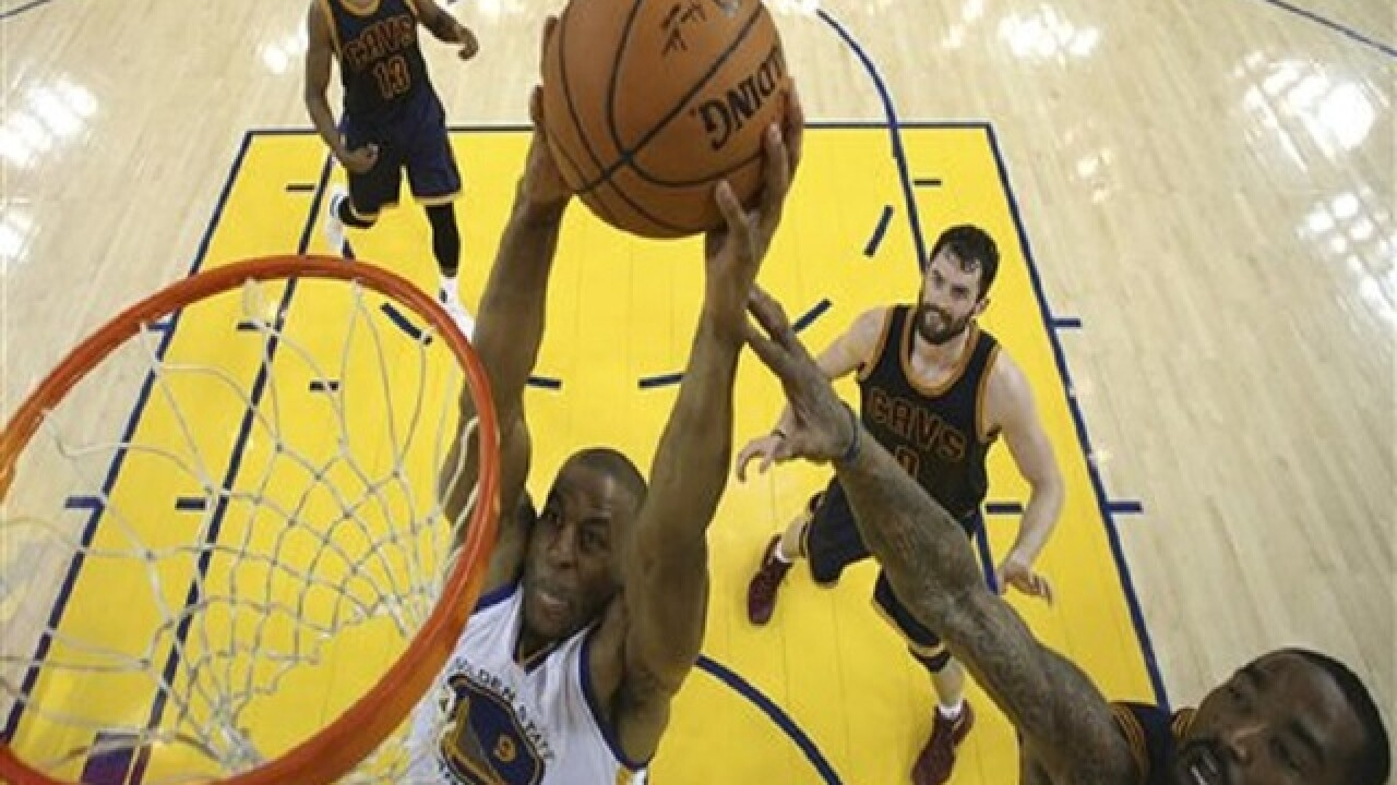 Warriors top Cavs in Game 2 of NBA Finals
