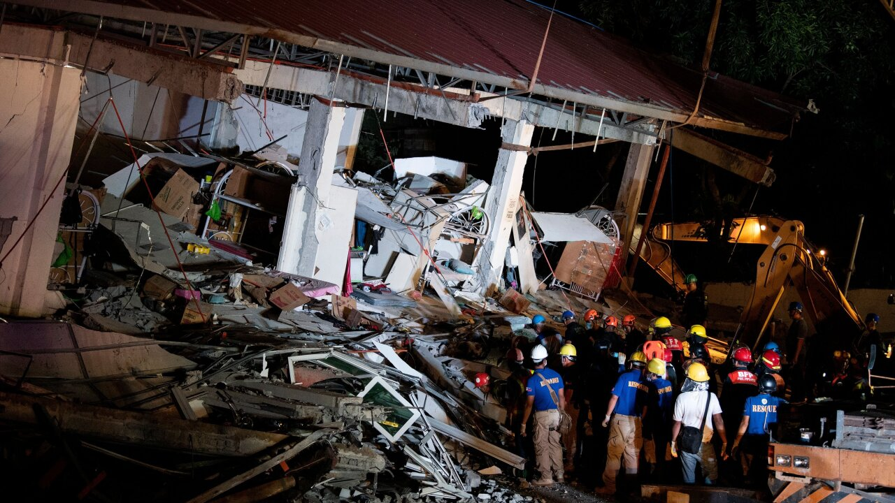 Death toll rises in Philippines earthquake that damaged 30 structures