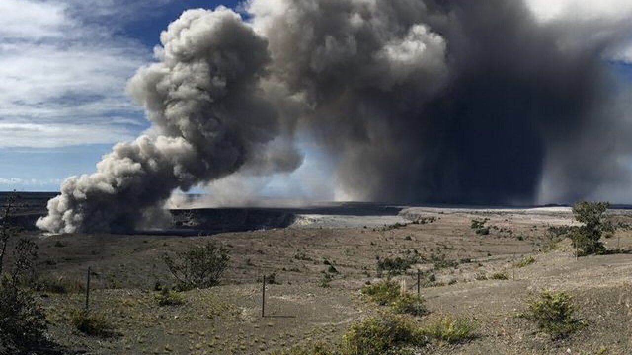 Kilauea volcano's explosion ash cloud reached up to 10,000 feet