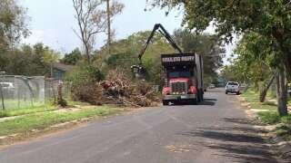 Continúa recolección de escombros tras huracán Harvey