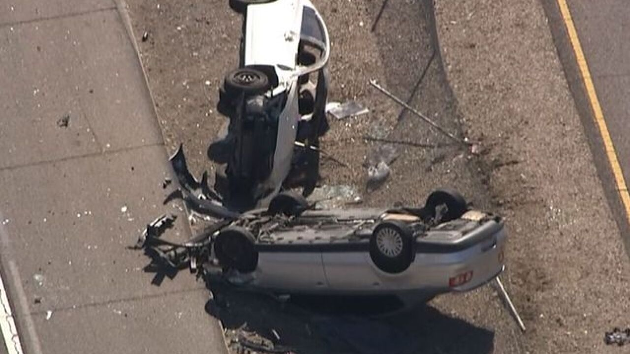 DPS: 1 killed in double rollover on I-17 in PHX
