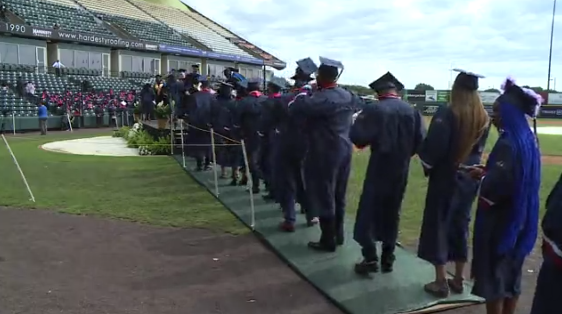 Wythe graduation at the Diamond 01.png