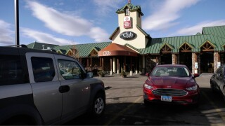 'A generous bartender:' Bozeman man accidentally tips too much, employee returns the favor