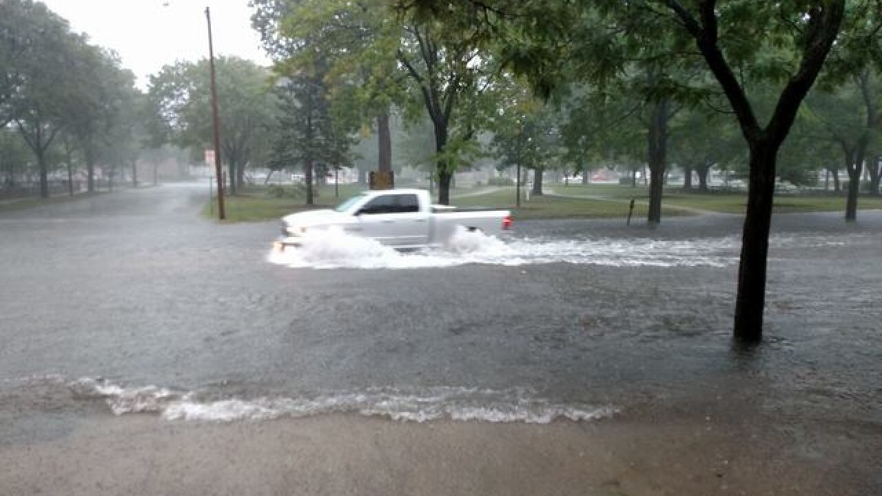 Some Green Bay streets flooded, police warn