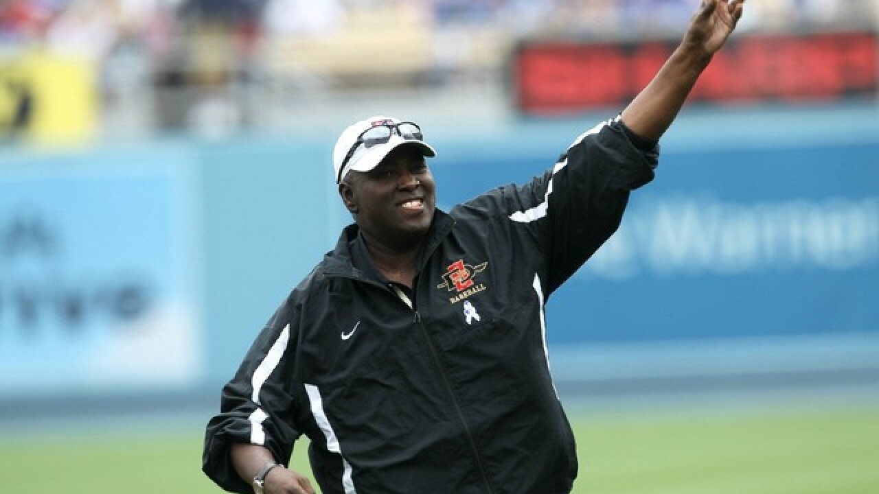 Tony Gwynn's family settles tobacco lawsuit