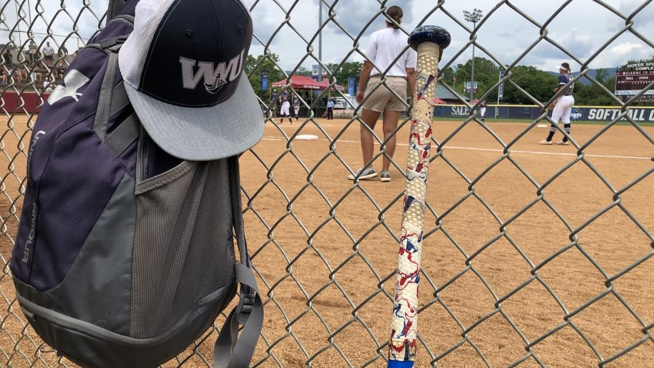 Virginia Wesleyan softball 1.jpg