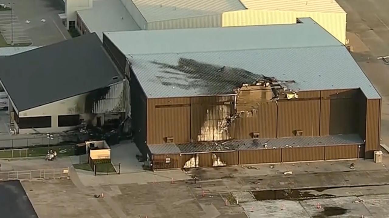 plane crash into Dallas building