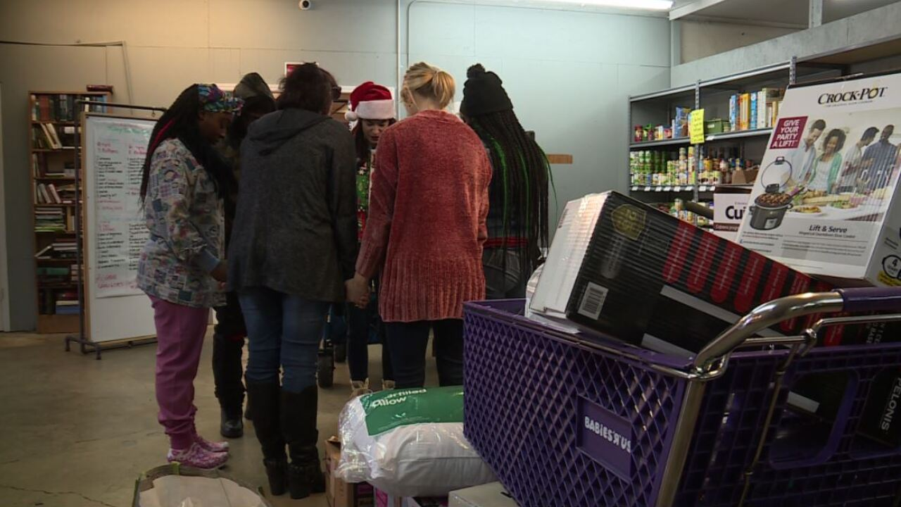 Mercy Mall displays true meaning of Christmas: 'There are good people in theworld'