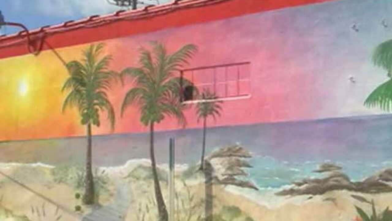 Outdoor art enhances beauty of Hobe Sound