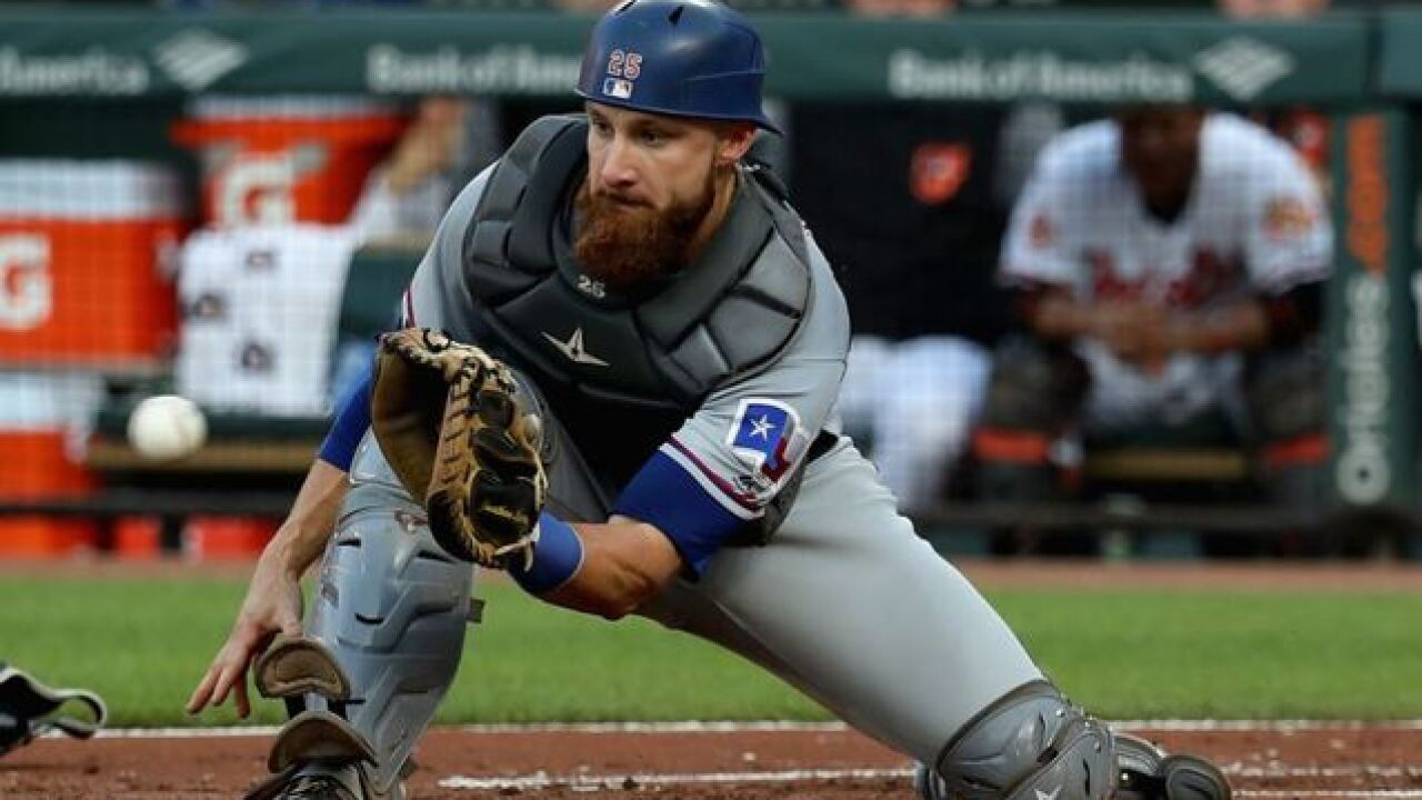Texas Rangers quickly move on from former Brewers catcher Jonathan Lucroy