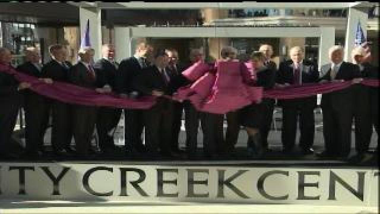 Thousands attend City Creek Center's grand opening