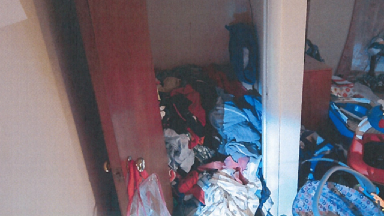 Children found in filthy Parma Heights apartment