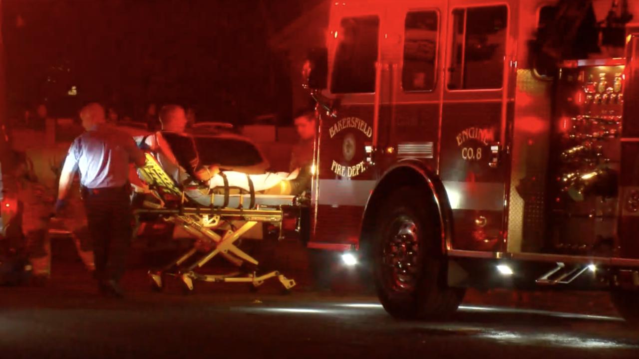 Firefighter injured while battling garage fire in East Bakersfield