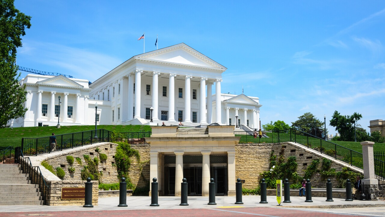 Virginia lawmakers ban guns at state Capitol