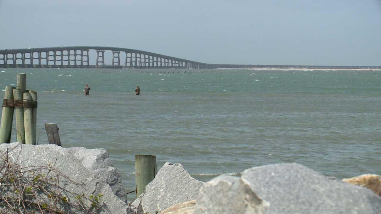 New Outer Banks bridge opens to pedestrians