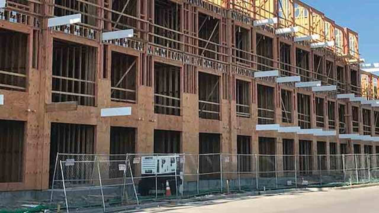 Construction Worker Dies In Fall From 4th Floor