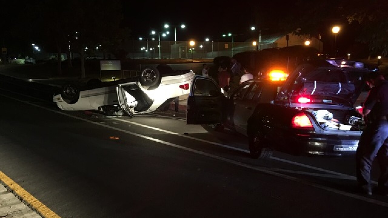 Robbery ends in rollover crash