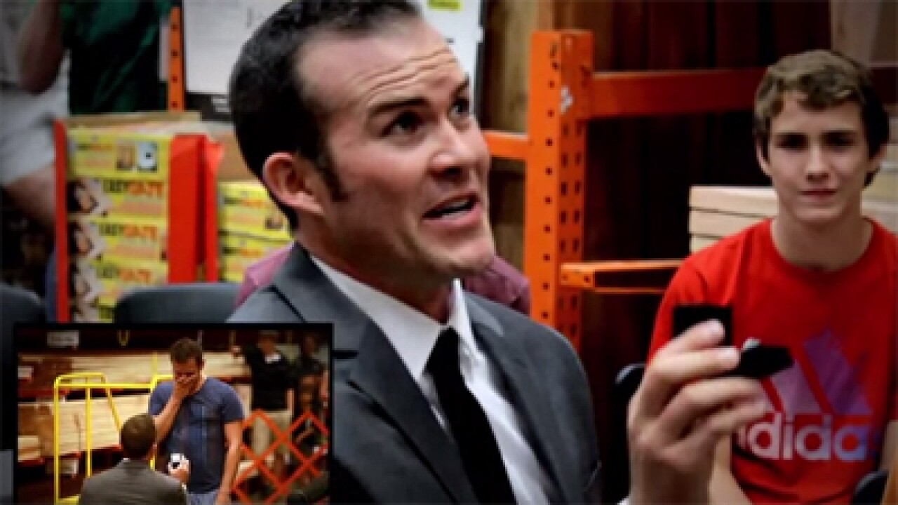 Video: Utah man proposes to boyfriend in flash mob at Home Depot