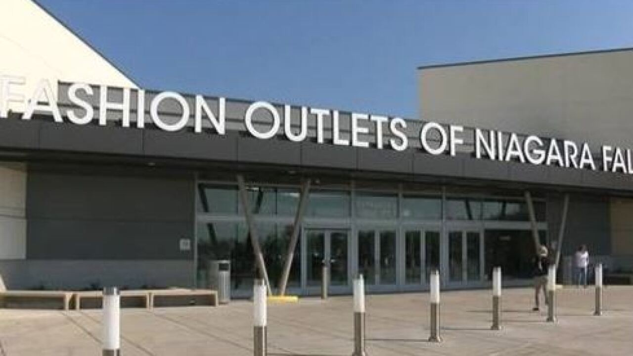 Exclusive Thanksgiving giveaways at the Fashion Outlets of Niagara Falls USA