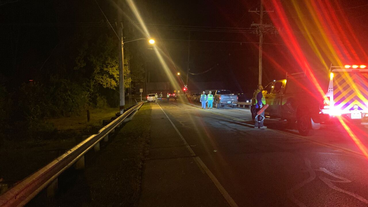 Train blocks Butler County intersection.jpg