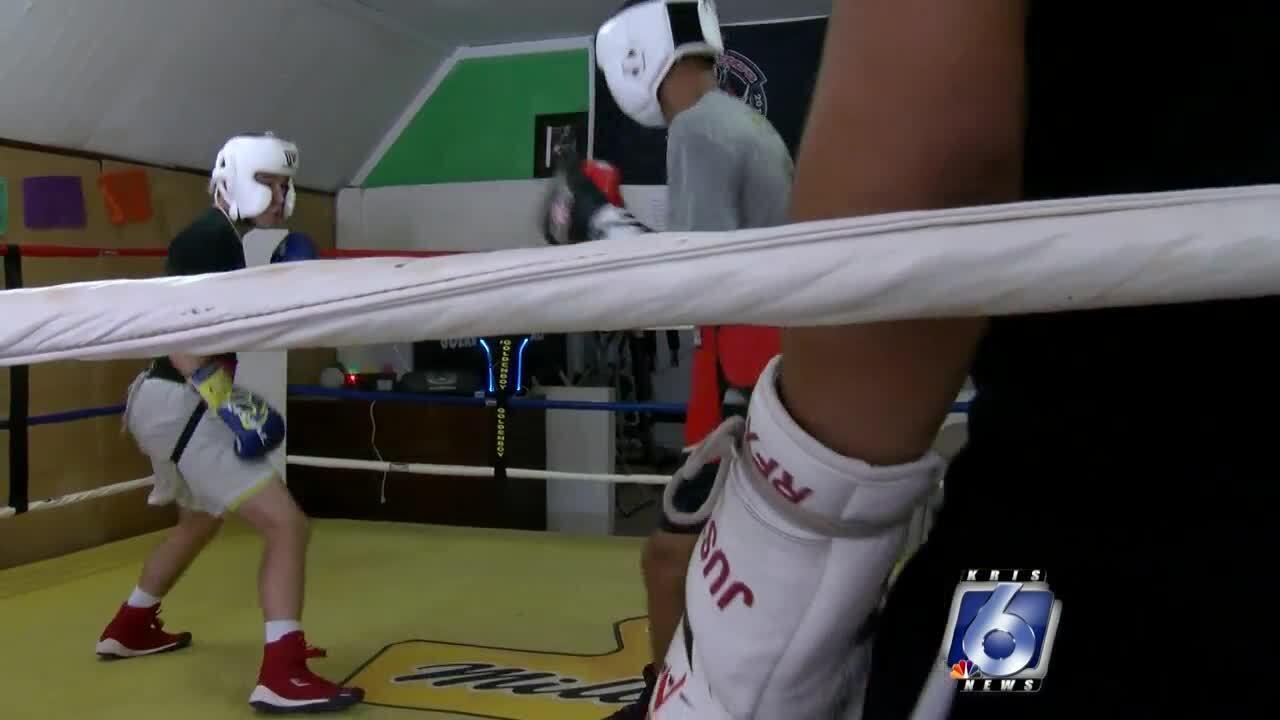 Guerrero's boxing gym_2_0806.jpg