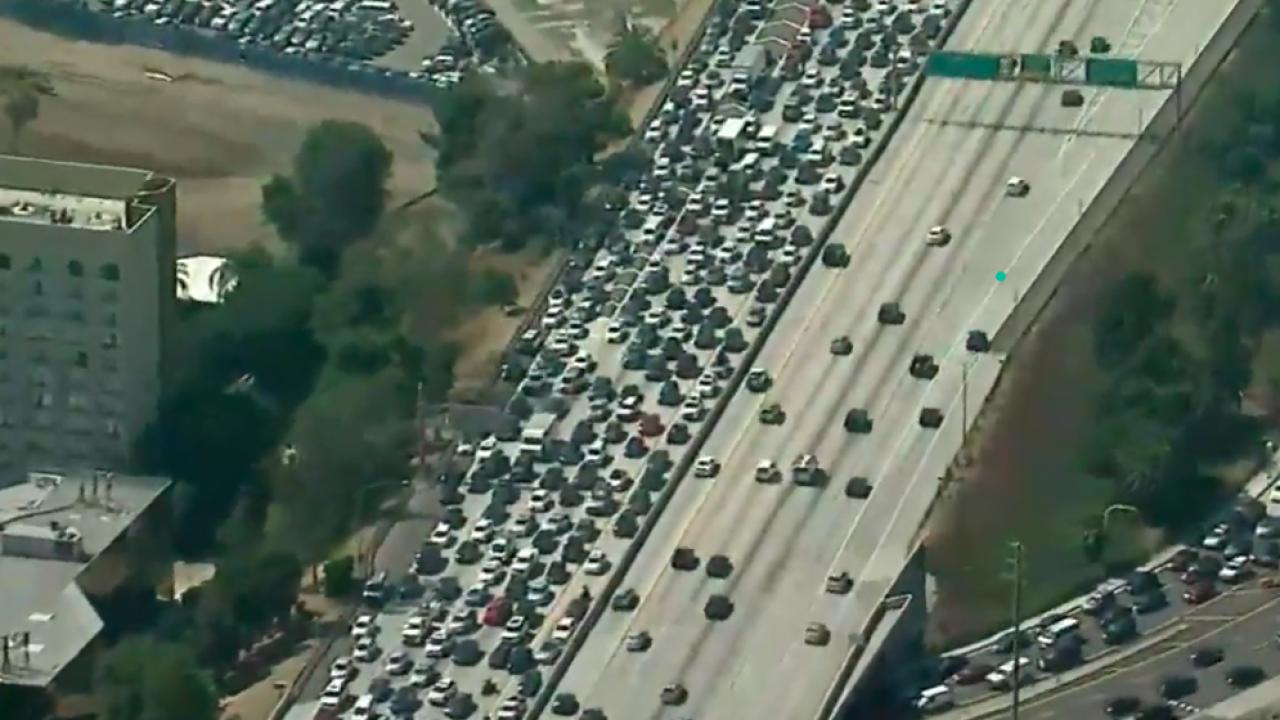 405 Freeway shut down after LA-area police pursuit