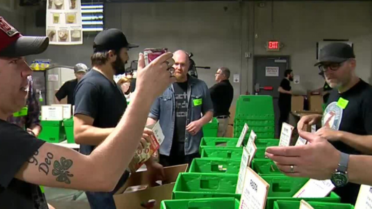 Dierks Bentley, LANCO Volunteer With The Second Harvest Food Bank