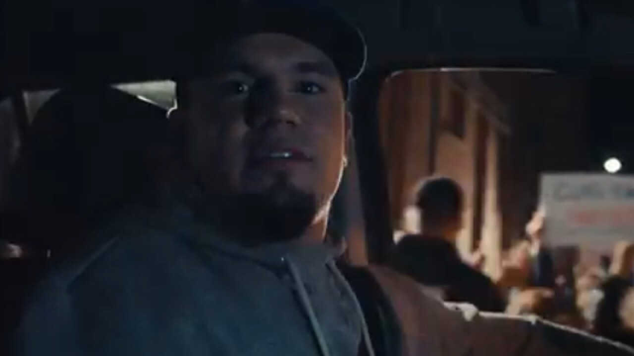 Middletown's Kyle Schwarber appears in new Gatorade commercial
