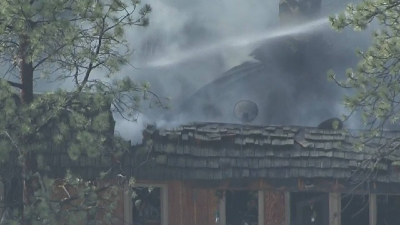 Fire destroys apartments in Estes Park